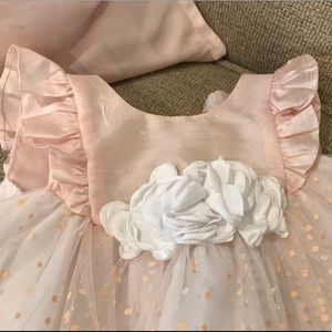Other - Sweet Tulle Ruffle Sleeved Dress